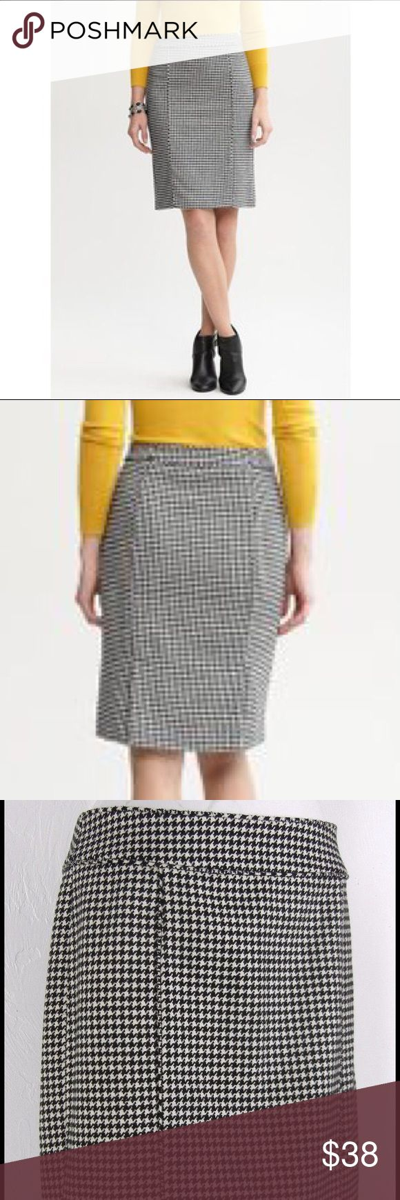 """Nwot Banana Republic houndstooth pencil skirt M Adorably classic and chic, the clean lines and crisp black & white pattern of this skirt makes the perfect canvas for color play! Mustard yellow or bright red look incredible paired with this pencil skirt as well as simple black. A wide waistband whittles your waist while double rear vents allow ease of movement. Contrast self piping down the front/back seams. Approx 23 1/4"""" long. New without tags, never worn before baby happened! Fully lined…"""
