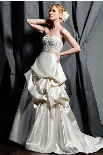 Saison Blanche Wedding Gown - Couture Collection - Style #4183