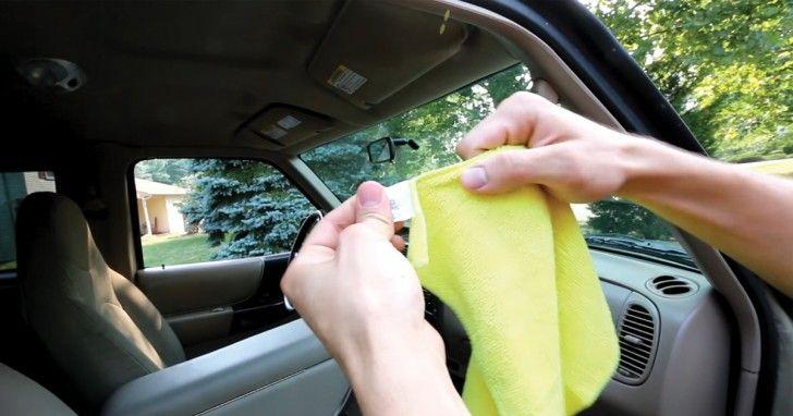 Vele onder ons hebben een auto in bezit. Sommige onder ons maken vaker hun ramen in huis schoon dan van de auto. Op een gegeven moment gaan je auto ruiten van buiten en van binnen