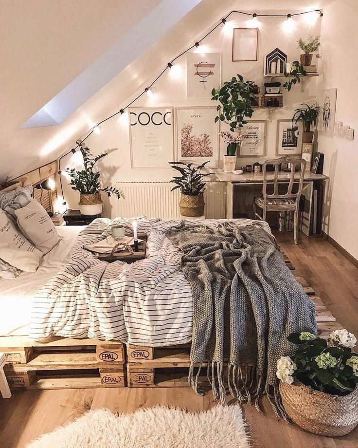60 Bohemian Minimalist With Urban Outfiters Bedroom Ideas Urban Outfiters Bedroom Aesthetic Bedroom Bedroom Decor