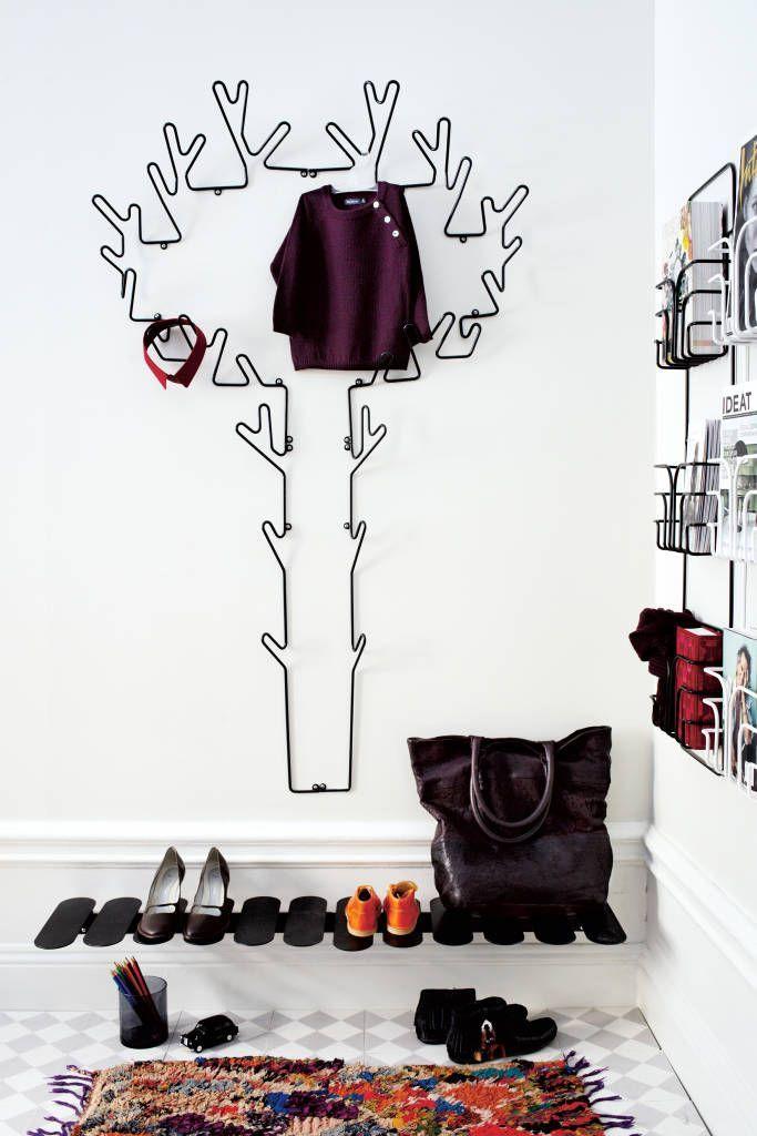Полки для обуви в прихожую: 70 потрясающих идей для коридора своими руками http://happymodern.ru/polki-dlya-obuvi-v-prixozhuyu-svoimi-rukami-foto/ polka_dlya_obuvi_063 Смотри больше http://happymodern.ru/polki-dlya-obuvi-v-prixozhuyu-svoimi-rukami-foto/