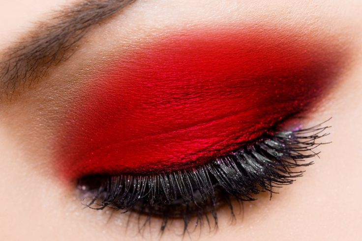http://fotogallery.donnaclick.it/bellezza/302721/ombretto-rosso-per-lautunno-inverno-2016-2017/
