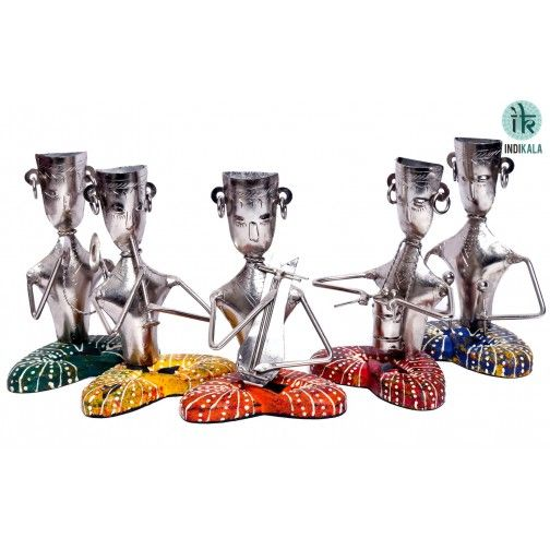Set of 5 sitting musicians