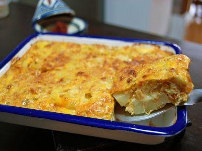 チュニジア版オムレツ「ひき肉とチーズのタジン」