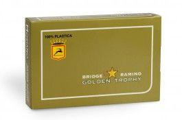 Pack de cartes Golden Trophy 4 index x2 - Pokeo.fr - Pack de 2 jeux de 52 cartes Modiano Golden Trophy 100% plastique, format Poker 4 index de couleur rouge et bleue.
