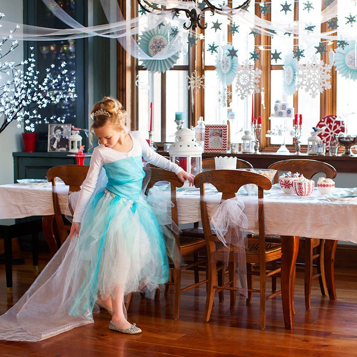 Frozen costume DIY with a whole Frozen themed party attached!