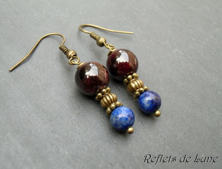 *Altesse nocturne* Boucles d'oreille lapis lazuli et grenat : Boucles d'oreille par lunartemis