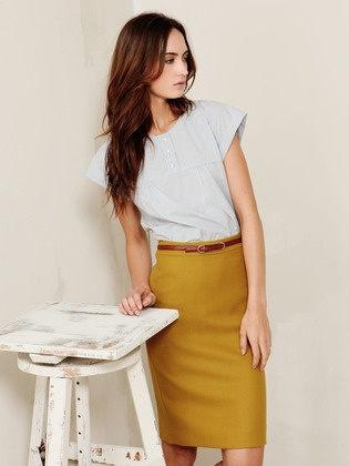 Love this outfit. . . So want a yellow pencil skirt!