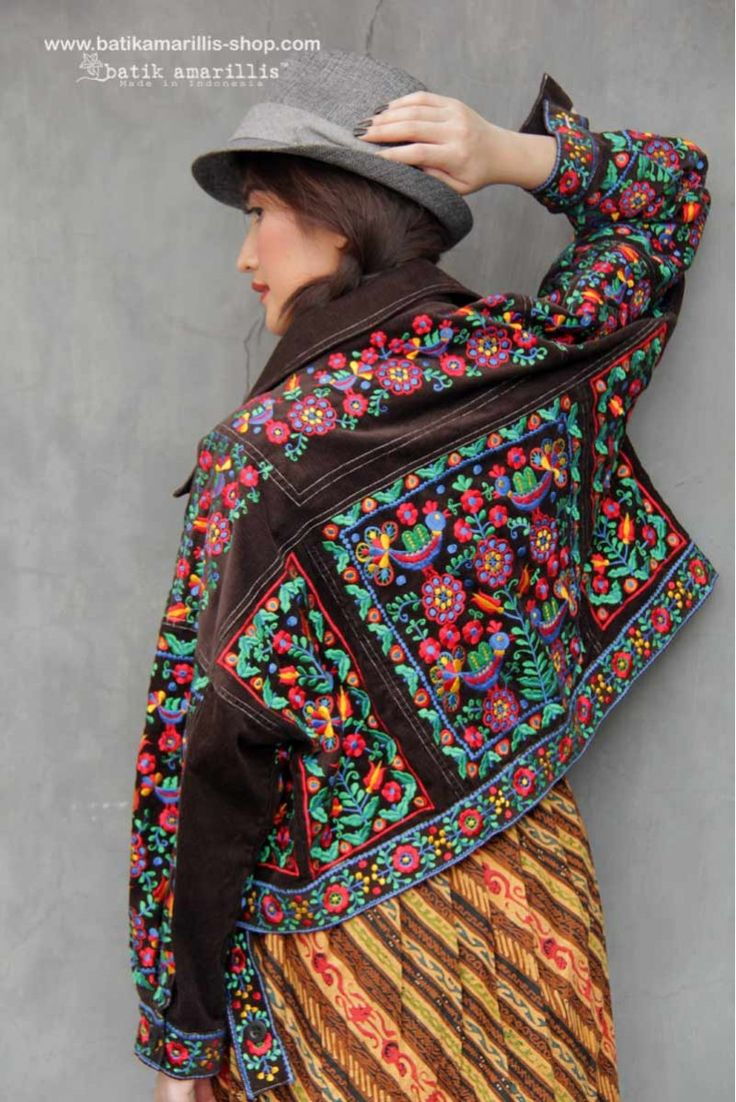 Batik Amarillis made in Indonesia www.batikamarillis-shop.com Batik Amarillis's Traveller Jacket part two , awesome freesize & oversize jacket which  features Hungarian  Embroidery inspired and tenun Gedog Tuban.