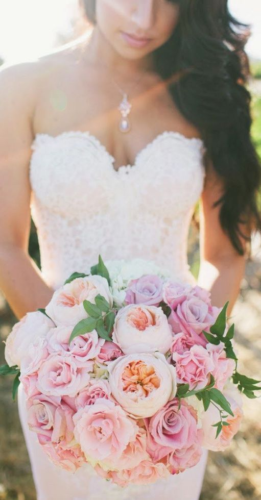 Wedding bouquet idea; Featured Photographer: Onelove Photography
