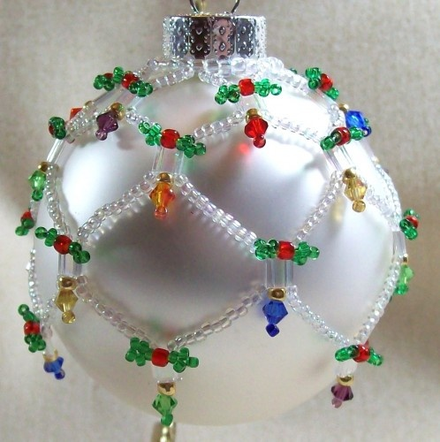 Holiday Lights Ornament Cover Beading Tutorial from artfire.com