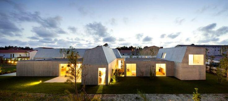 Paula Santos, Nelson Garrido · House in Ovar