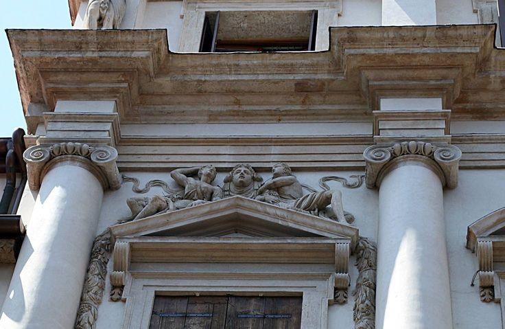 Palladio, Palazzo Porto a Vicenza. Particolare dell'Ordine Ionico.  Dottrina dell'Architettura