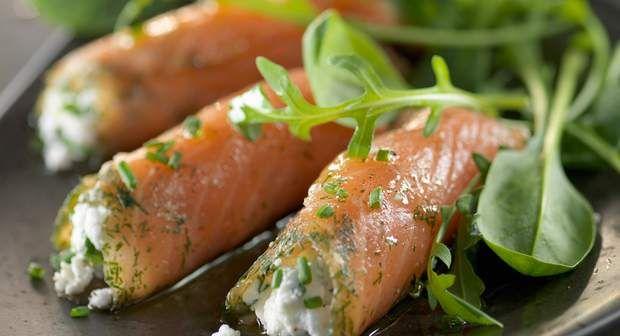 Rouleaux de saumon fumé sur saladeVoir la recette des rouleaux de saumon fumé sur salade