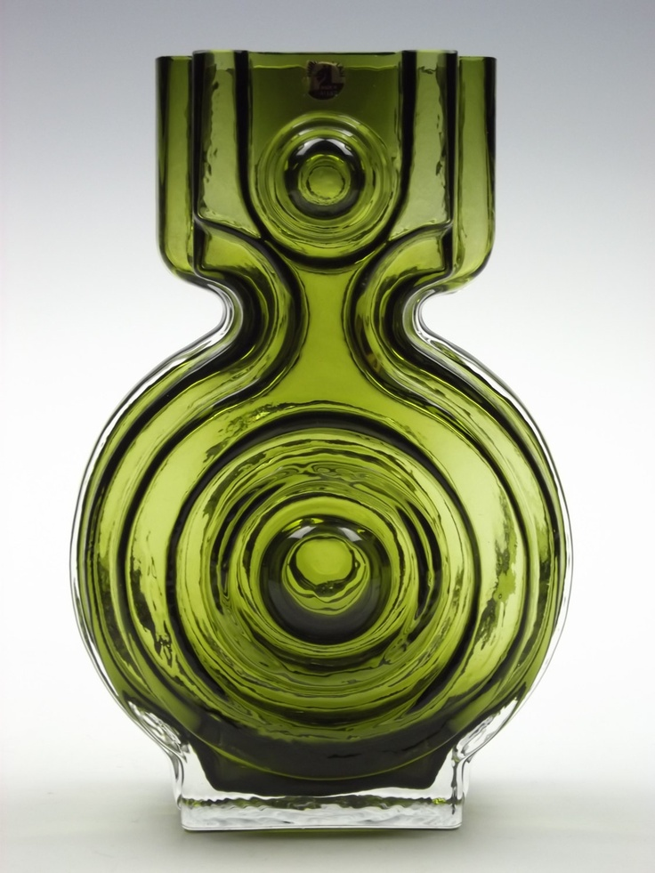 Riihimaki 'Aitanlukko' olive green cased glass vase by Helena Tynell.