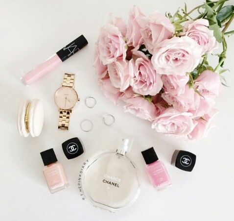 I simply love nice things. Especially if they're pink ♡