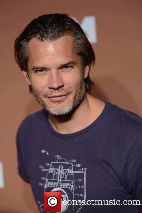 timothy olyphant height - 740×1064
