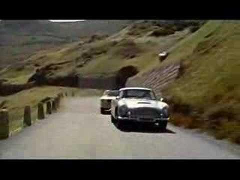 Agente 007 - Missione #Goldfinger, film nel quale compare uno dei primissimi modelli mai prodotti di #Mustang convertibile modello 1964 ½