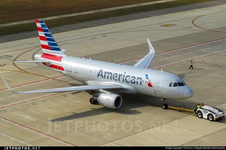 Airbus A319-115, American Airlines, N3014R, cn 5842, 128 passengers, first flight 5.11.2013, American delivered 12.11.2013. Active, for example 23.9.2016 flight Los Angeles - Austin. Foto: Barranquilla, Colombia, 13.8.2016.