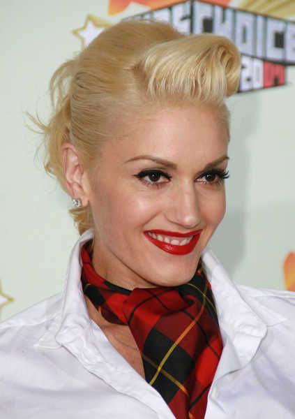 Vintage Styles For Long Curly Hair Wedding Gwen Stefani Blonde Updo