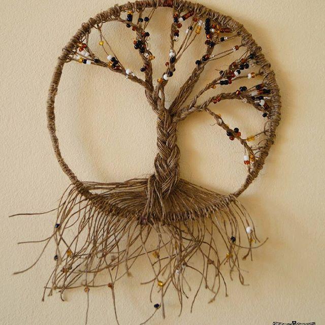 Jesienne drzewko  #tree #drem #dreams #handmade #dragonfly #mikadiakow @mikadiakow #drzewko #jesień #autumn #ważka #koraliki #nici #ręcznierobione #brown #brąz #donabycia