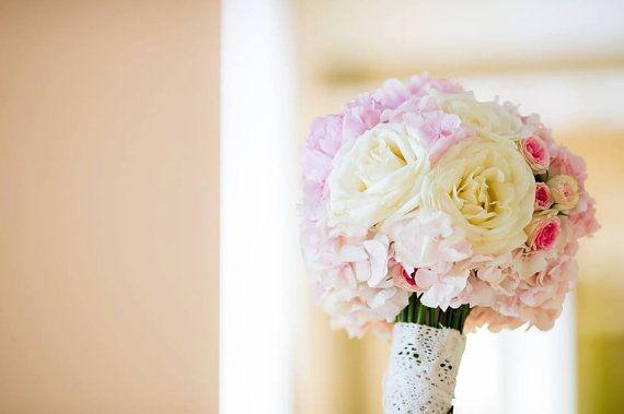 Buchet de Mireasa. Hortensie roz. Trandafiri by JuliasRoseShop