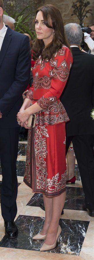 Duchess Of Cambridge in Alexander McQueen Visits India & Bhutan - Day 1 - April 10, 2016 - VanityFair.it