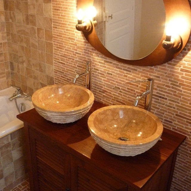 Salle De Bain En Pierre Stone Sinks And Tubs Pinterest Stone