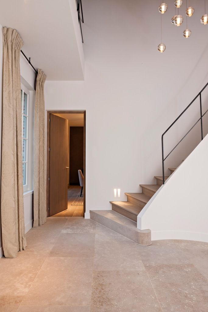 villabouw sels verlichting pinterest escaliers travertin et idee salon. Black Bedroom Furniture Sets. Home Design Ideas