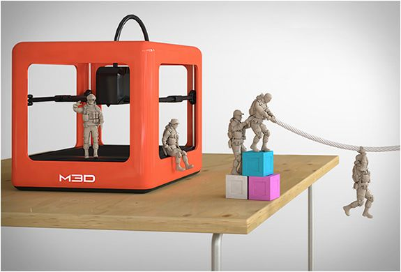 Micro 3D printer - when the machines take over, it's gonna start like this.