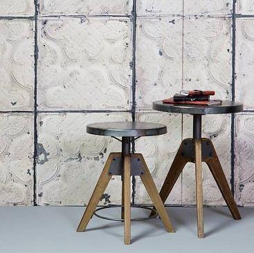 - Be Pure Home Krukje Disc -  Stoer hout metalen krukje Disc van Be Pure. Mooi bij een van de bureaus of aan een lange keukentafel. Altijd handig in huis. https://www.bricliving.nl/be-pure-home-kruk-disc-be-pure.html