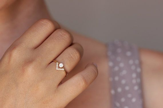 Wedding Set Simple Round Diamond Ring & Pave Diamond V by artemer