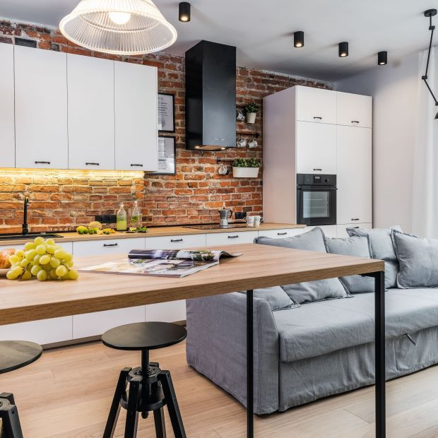 Mala Kuchnia Z Salonem Najlepsze Realizacje 20 Zdjec Galeria Dobrzemieszkaj Pl In 2021 Home Decor Furniture Home