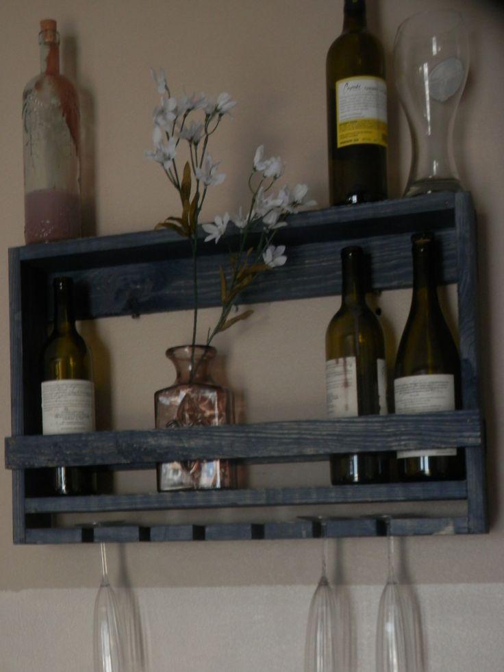 les 25 meilleures id es concernant casiers bouteilles rustiques sur pinterest tag res. Black Bedroom Furniture Sets. Home Design Ideas