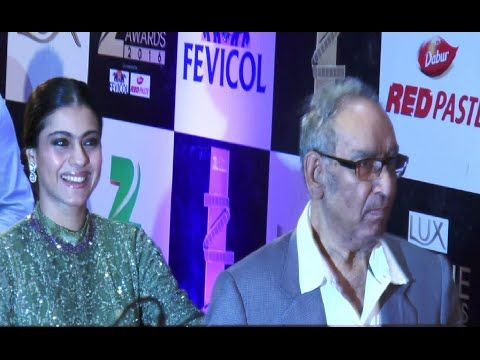 Kajol with father-in-law Veeru Devgan at ZEE CINE AWARDS 2016 red carpet.