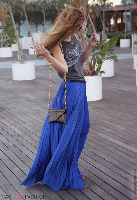 Omg so cute! That's so cute its like relax shirt w/ a more fancy skirt! I ❤ maxi skirts/dresses!