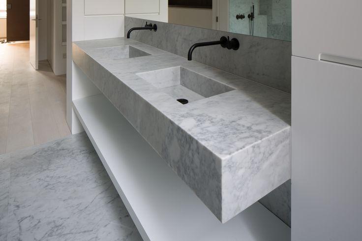 15.12.2016 Nothing Hill Bathroom Carrara bespoke basin. Vola taps.