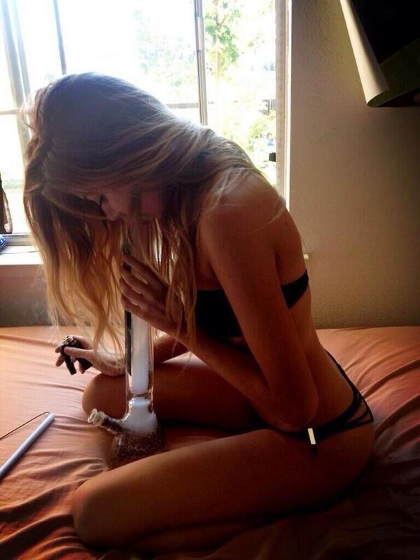 images hot girls smoking bongs naked
