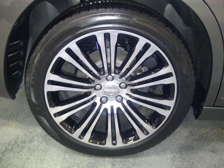 Sweet rims on the Chrysler 300S