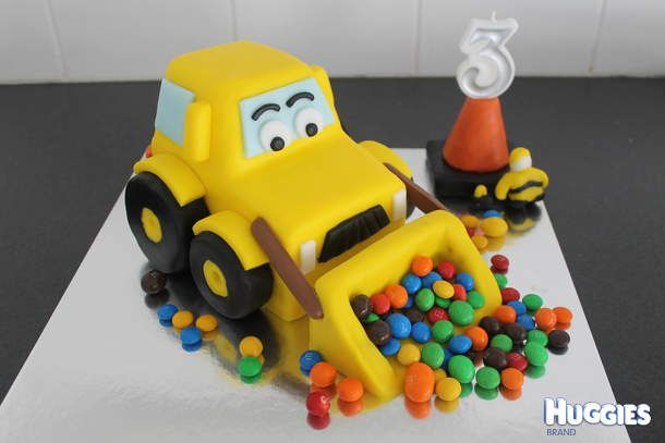 Hubby and I made this for ous son's 3rd birthday. He is obssessed with all things construction- made sense to construct him a digger cake! It's fully edible, not even a hidden toothpick to be found. Loved the result and so did he, the look on his face when he saw it, priceless! Worth the 5hours it took us!