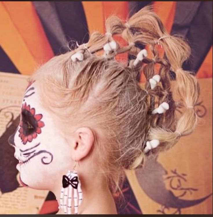 niña catrina disfraz de halloween maquillaje de halloween Creative Hairstyles, Cute Hairstyles, Braided Hairstyles, Halloween Hairstyles, Christian Wife, Halloween Disfraces, Crazy Hair, Your Girl, Halloween Fun