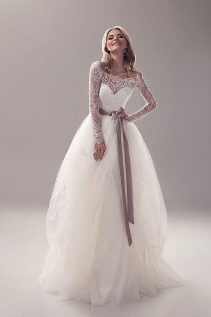 10 Best ideas about Simple Wedding Gowns on Pinterest  Wedding ...