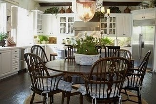 i lurve eat in kitchens!Dark Kitchens, Dining Room, Tables Sets, Decor Ideas, Future House, Kitchens Tables, Kitchens Ideas, Breakfast Tables, House Decor