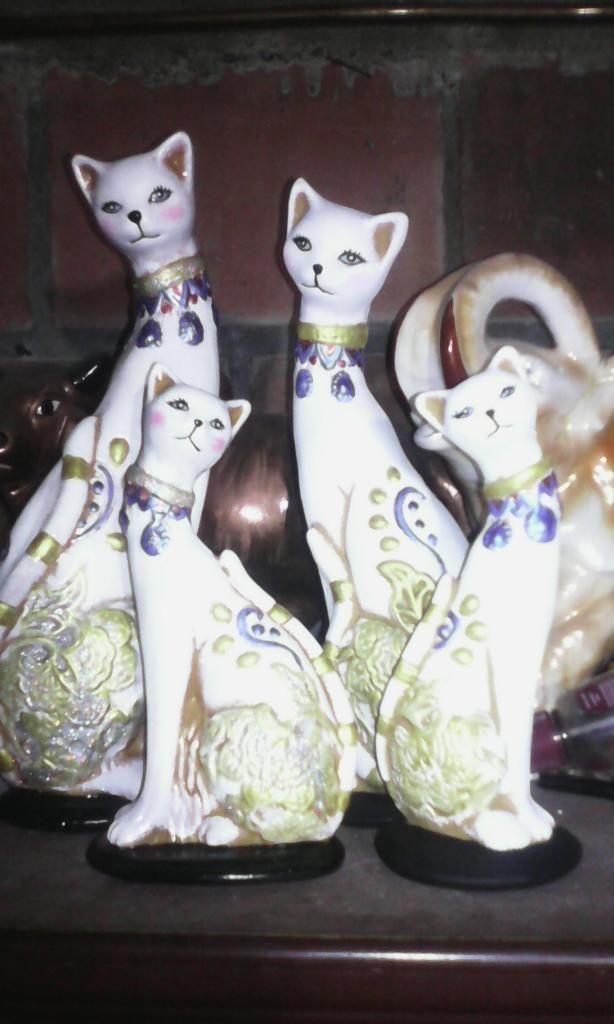 Gatos en ceramica