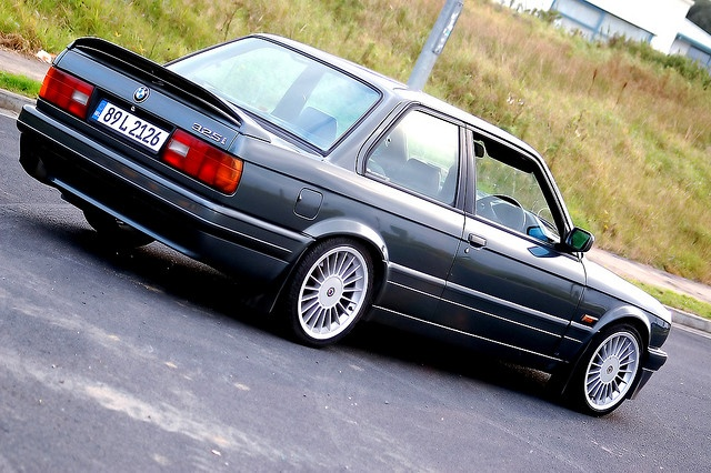 E30 BMW 325i www.truefleet.co.uk