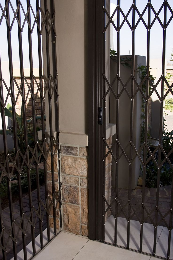 Retractable security gates are the most popular design of security barriers in South Africa.  www.robodoor.co.za/security-gates