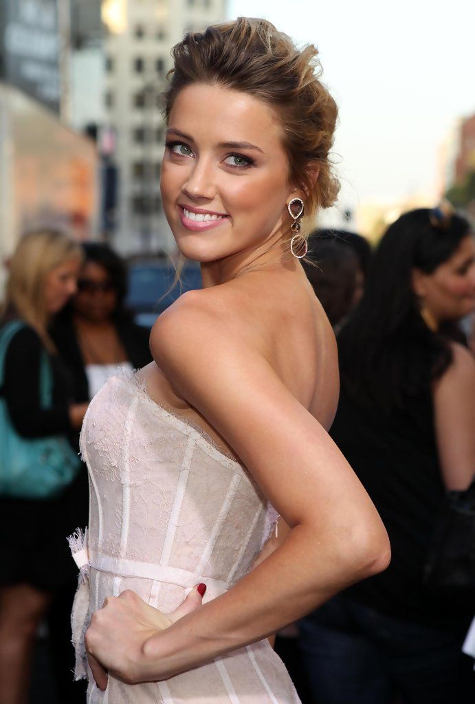 Charming Amber Heard Classy Hairstyles... She starred in Syrup (2013) as 6