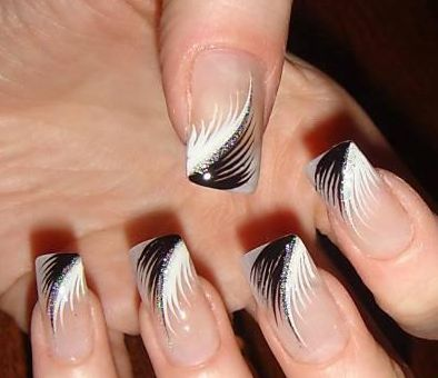 Hahaha I remember having nails like this in high school... glad to see they're still cool lol