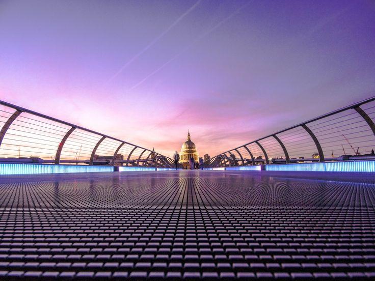 https://hdqwalls.com/wallpapers/millennium-bridge-london-5k-j2.jpg