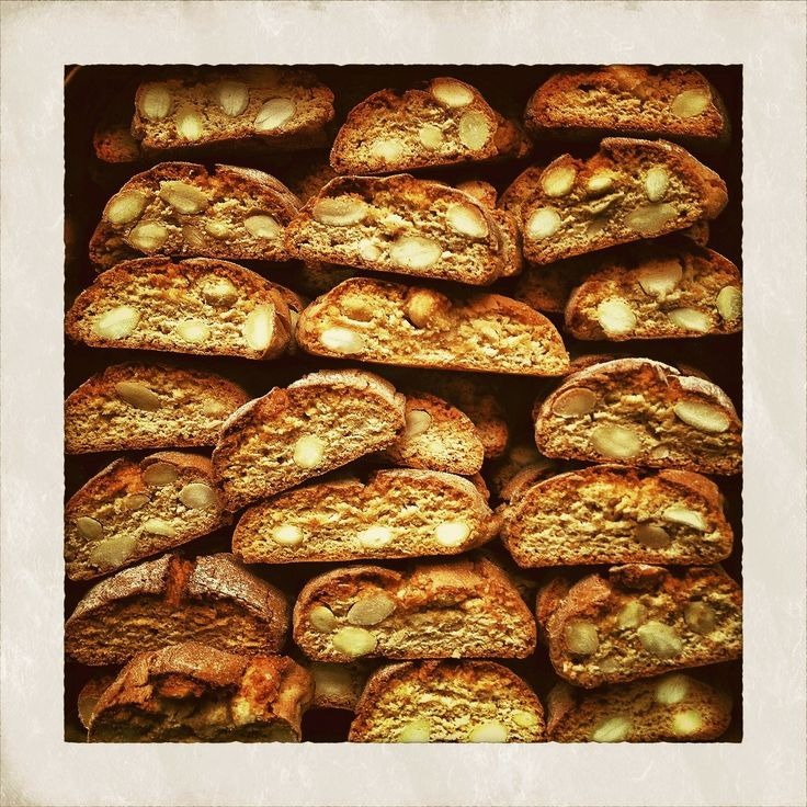 Nonna's Christmas biscotti recipe: http://www.venice-italy-veneto.com/italian-cookies.html